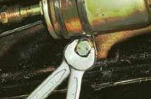 крепление топливного фильтра на нексии